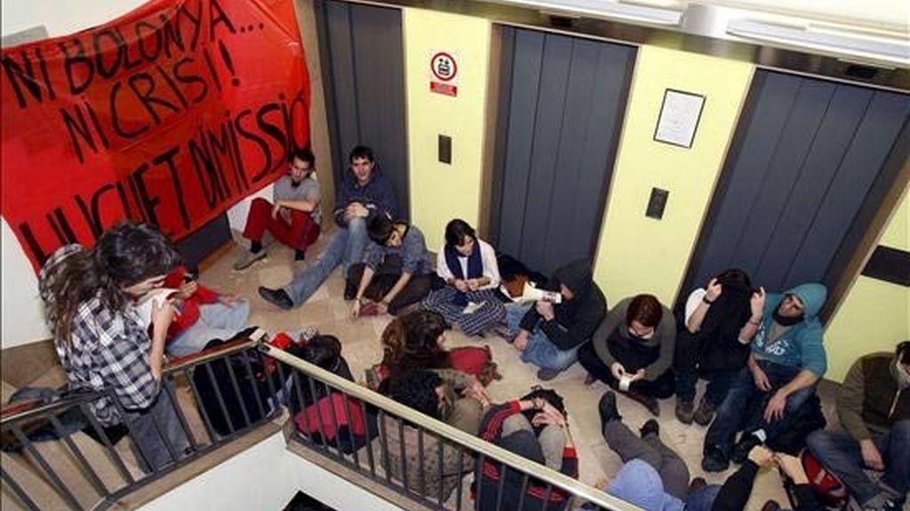 Estudiantes encadenados