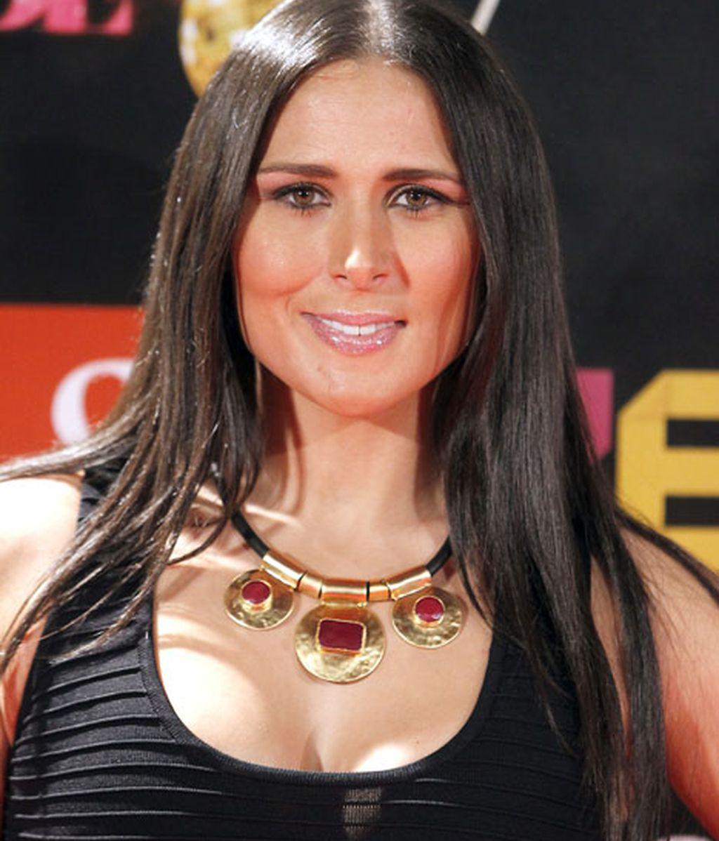 Rosa de España estaba con un look muy 'Cher'