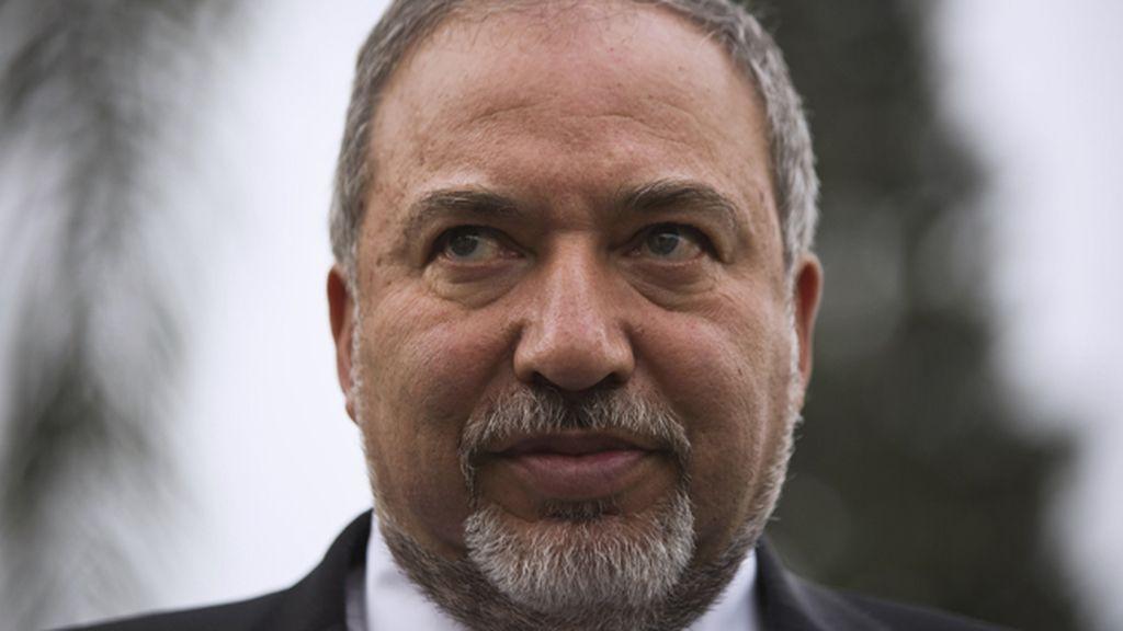 """Lieberman aboga por """"decapitar con un hacha"""" a los árabes-israelíes desleales"""