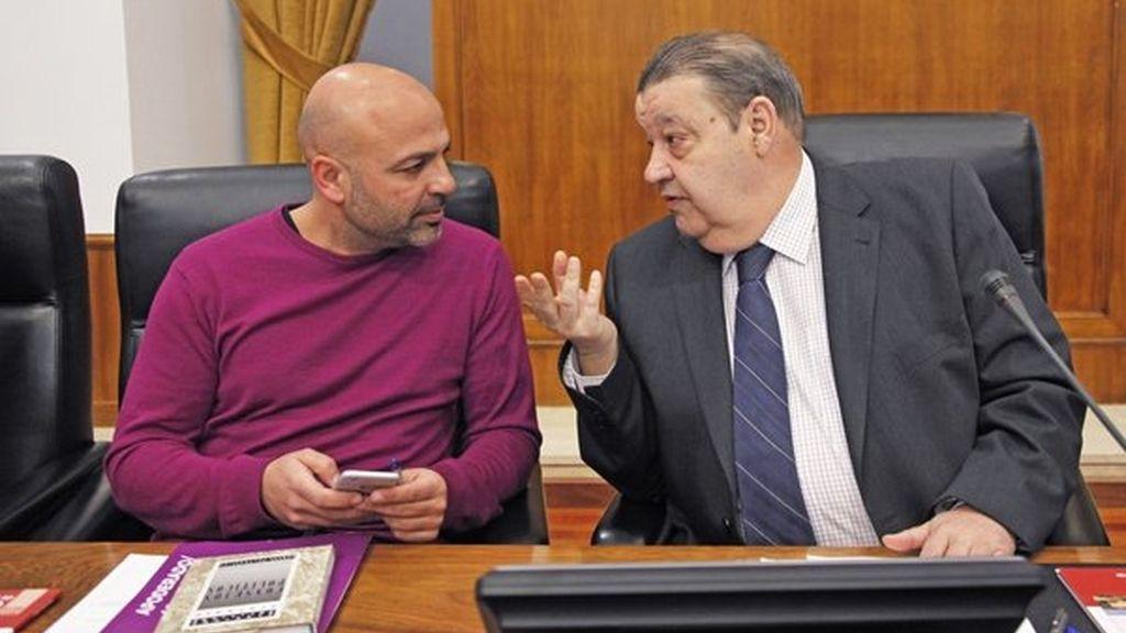 El portavoz de Podemos, José Gracía Molina, en el Parlamento de Castilla-La Mancha