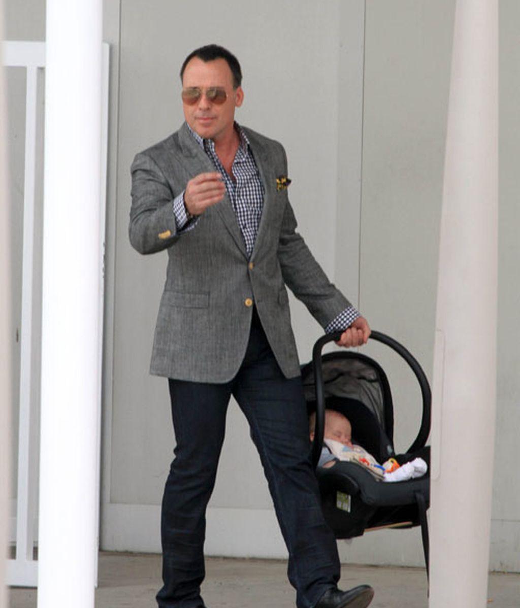 Zach, el bebé viajero de Elton John