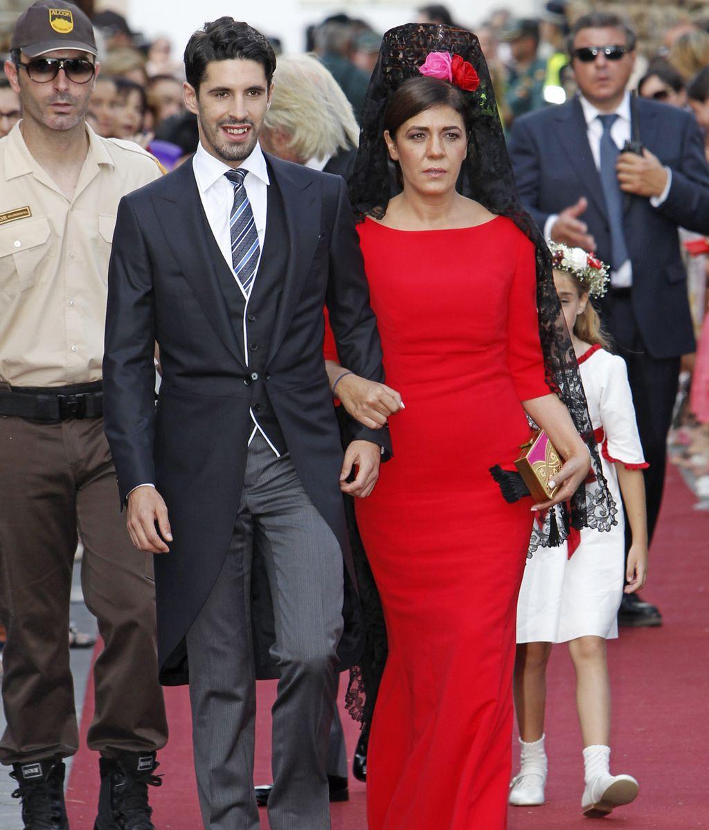 El novio, Alejandro Talavante, camino a la iglesia