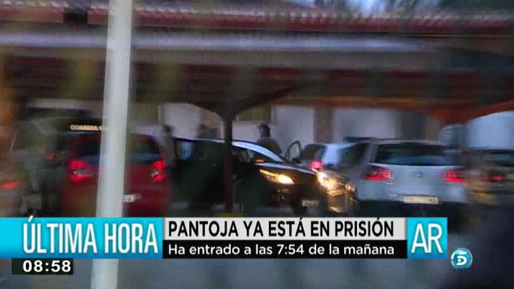 La cantante entró en prisión a las 07:54 de la mañana