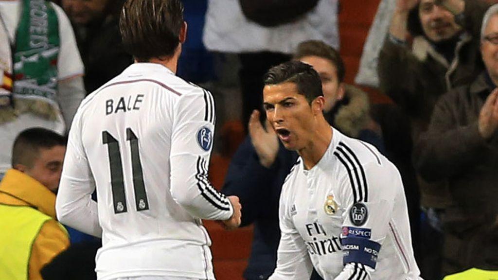 Bale corre a celebrar el tanto de Cristiano Ronaldo ante el Ludogorets