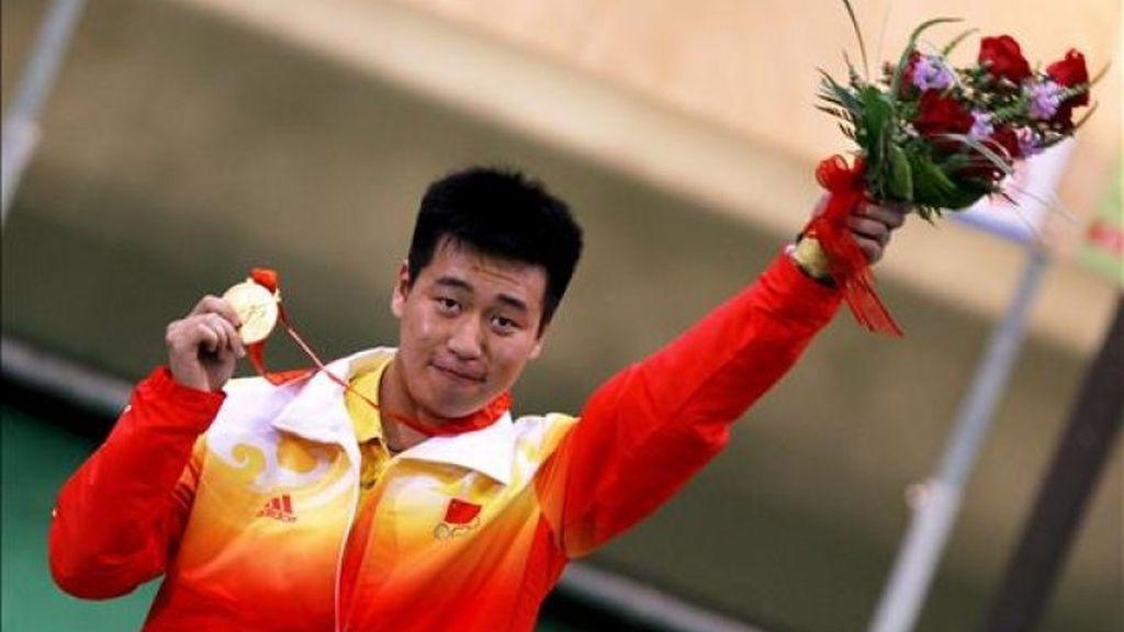 El chino Pang, oro en pistola de aire sobre 10 metros