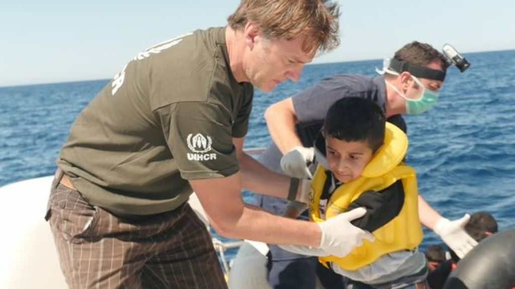 David Morrissey, actor de The Walking Dead, ayuda al rescate de un niño sirio