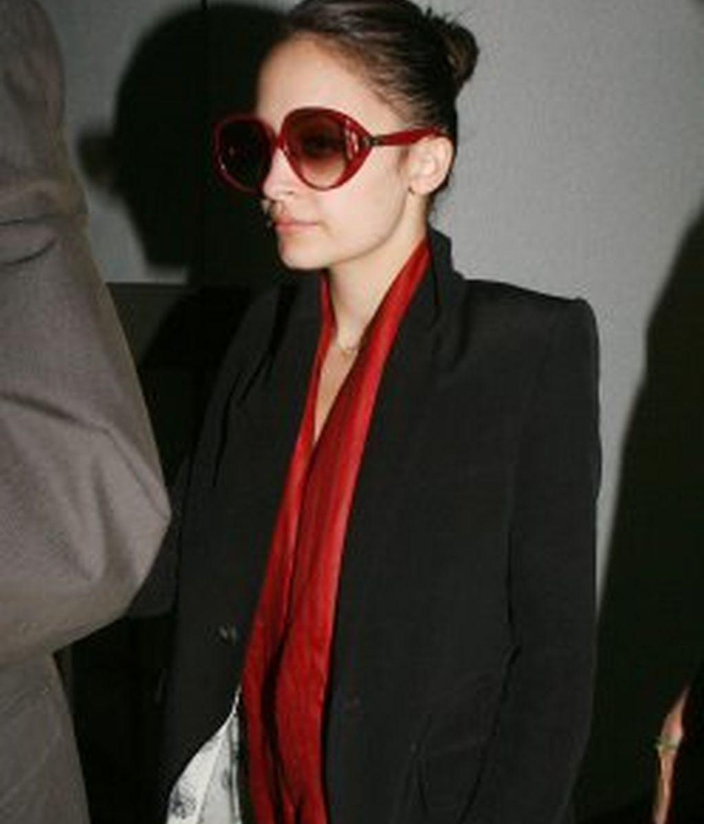 Dilema: las gafas de Nicole Richie ¿sí o no?
