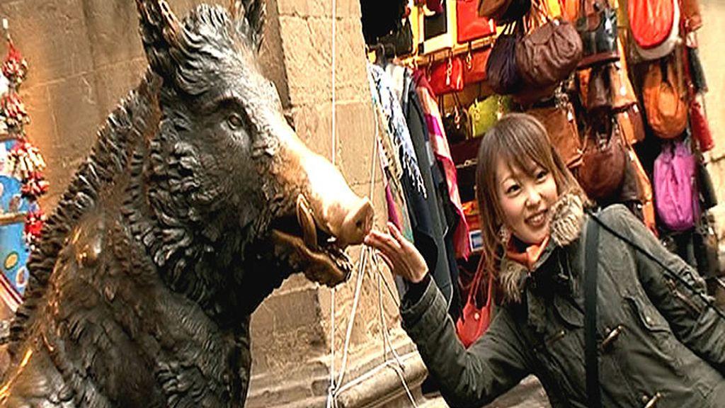 La tradición dice que si se toca al Porcellino del Mercado Nuevo de Florencia, el visitante tiene asegurada la vuelta a la ciudad