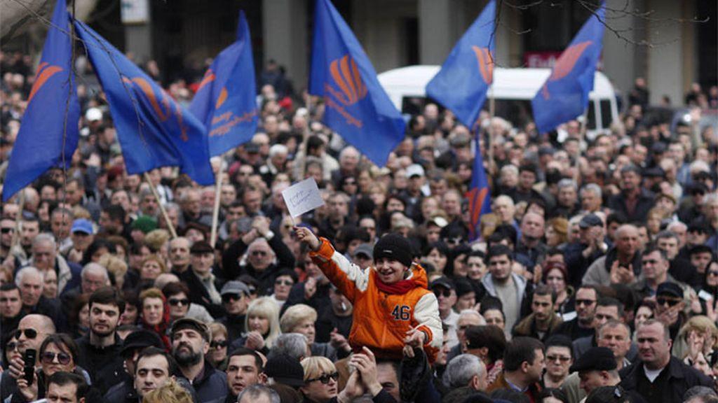 Los manifestantes en el centro de Tiflis, la capital de Georgia