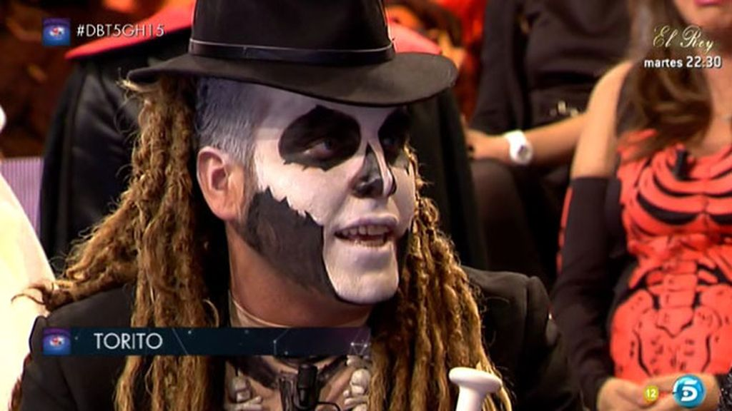 Las gradas del debate celebran Halloween