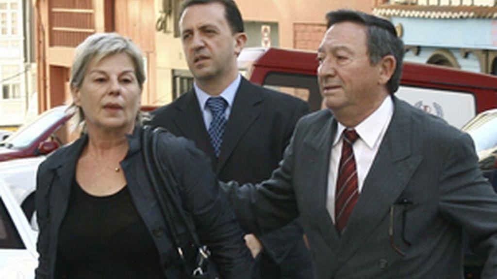 Toñi Vicente ha salido en libertad con cargos muy afectada por la detención. FOTO: EFE