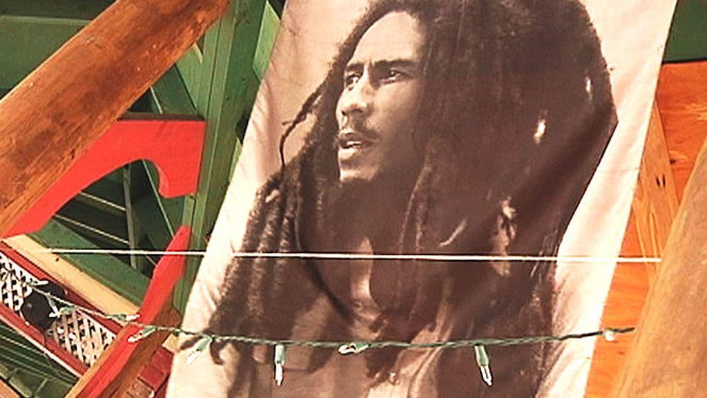 Bob Marley, el 'Dios del Reggae', nació en la isla caribeña y es considerado todo un emblema en el país