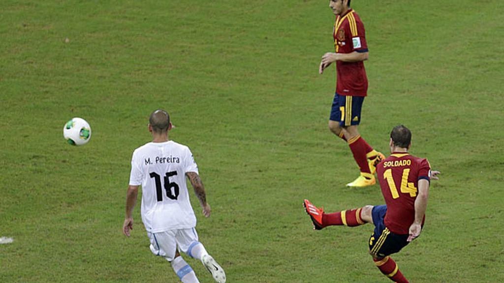 Soldado marcó el segundo gol de la selección ante Uruguay