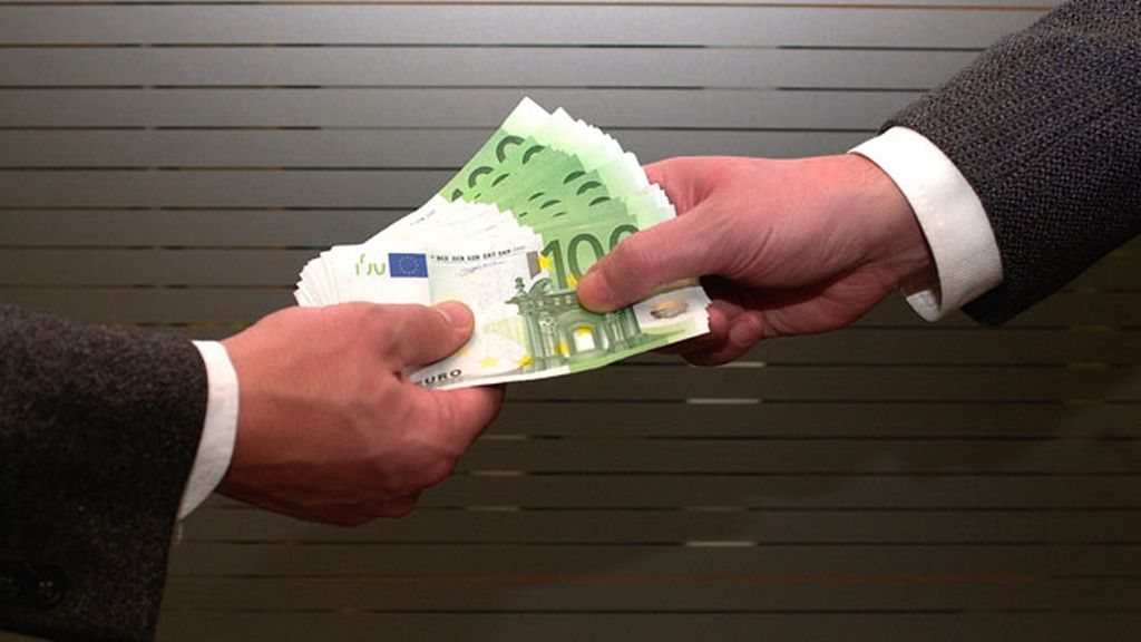 El BOE publica el aumento del 0,5% del Salario Mínimo Interprofesional para 2015