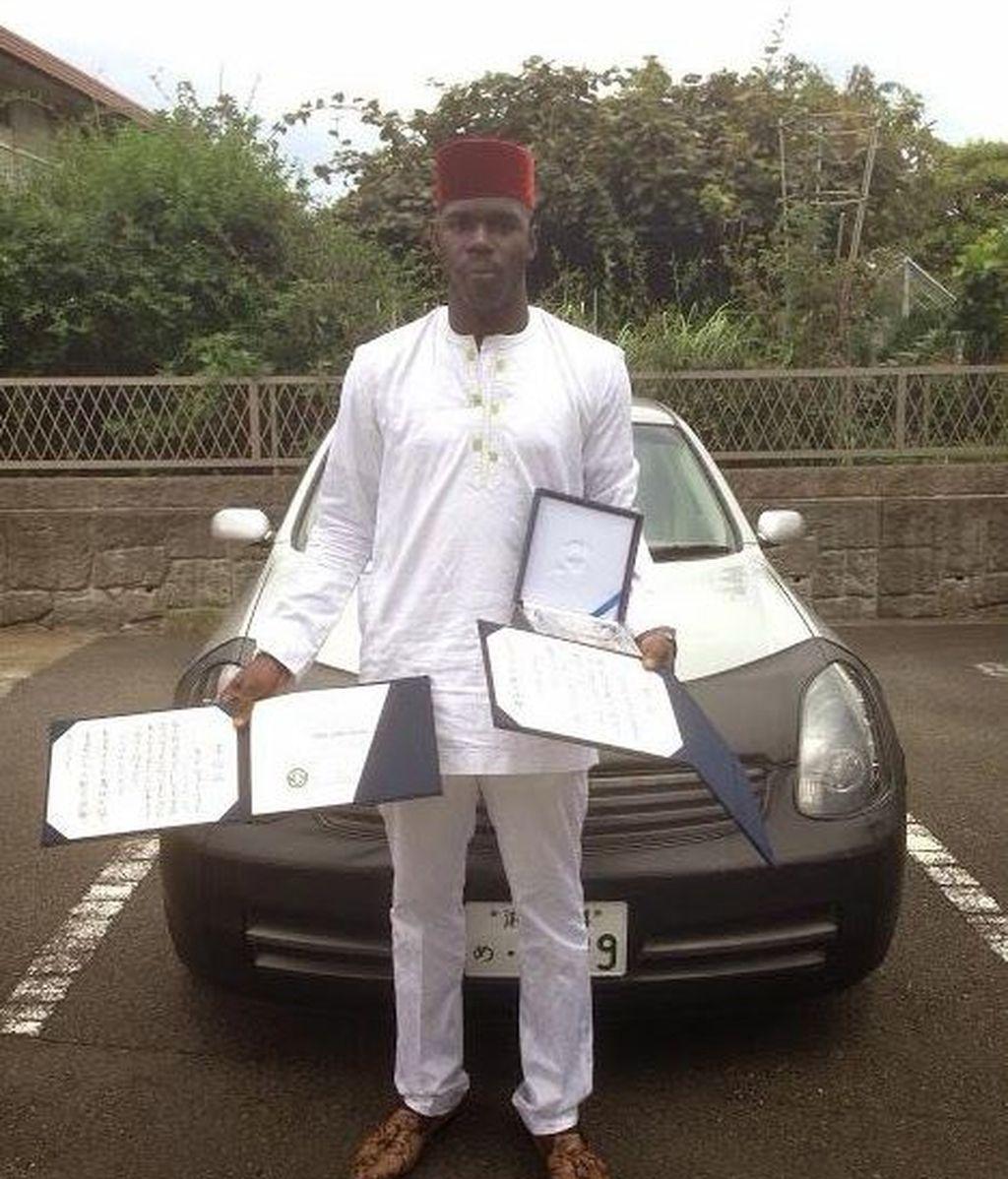 Un estudiante nigeriano consigue resolver un problema matemático con 30 años sin solución
