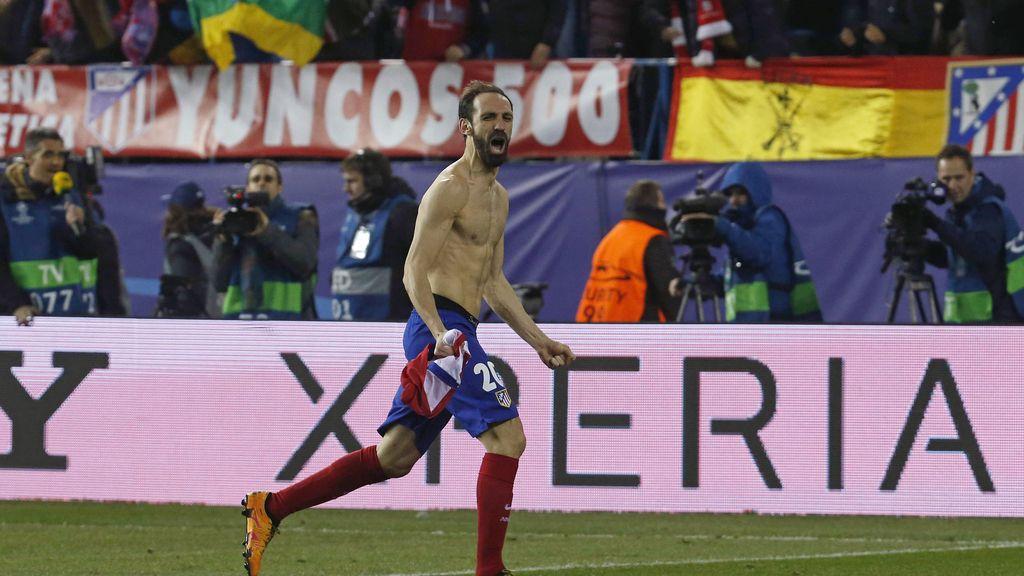 Juanfran desata la euforia en el Calderón