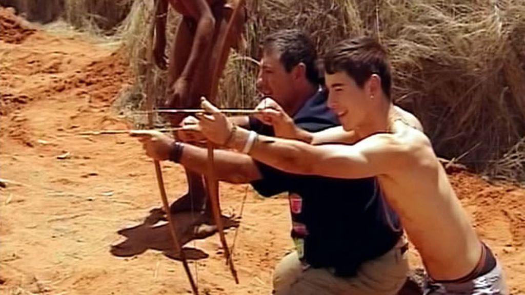 La caza, un elemento importantísimo en la cultura de los bushman y que sólo realizan los hombres