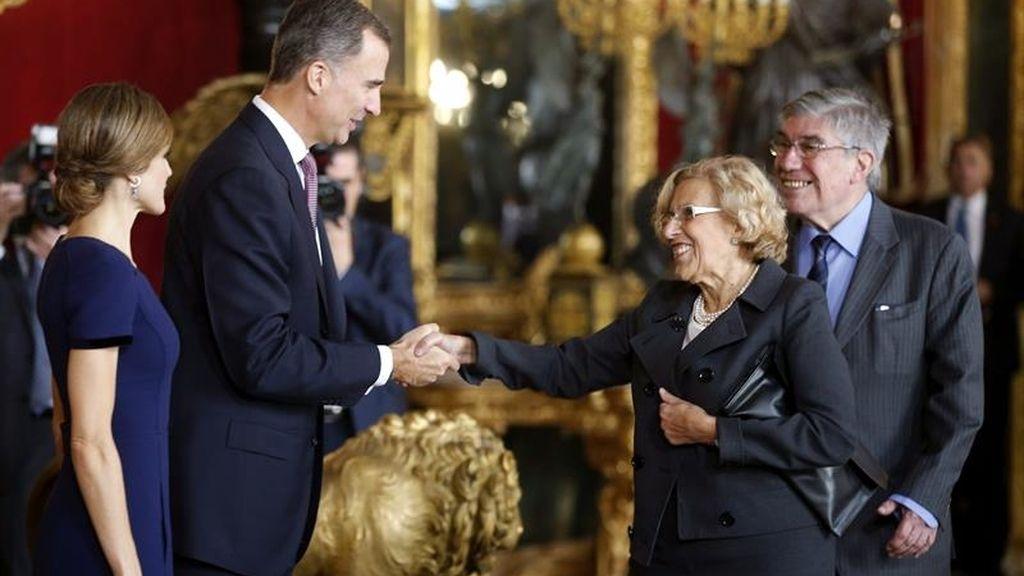 Carmena en la recepción en el Palacio Real