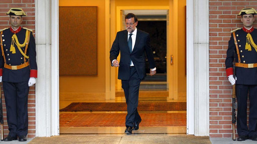 Rajoy sale de Moncloa