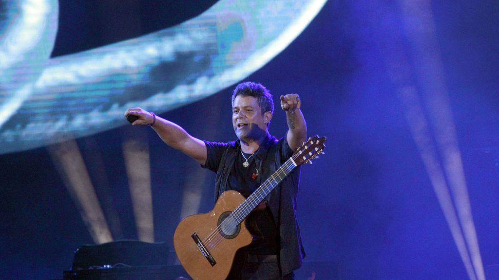 Alejandro Sanz hace vibrar a la ciudad de su padre en un apoteósico concierto
