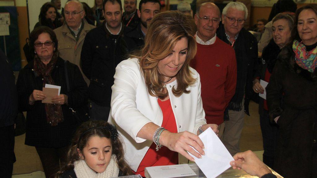 Susana Díaz votando en familia