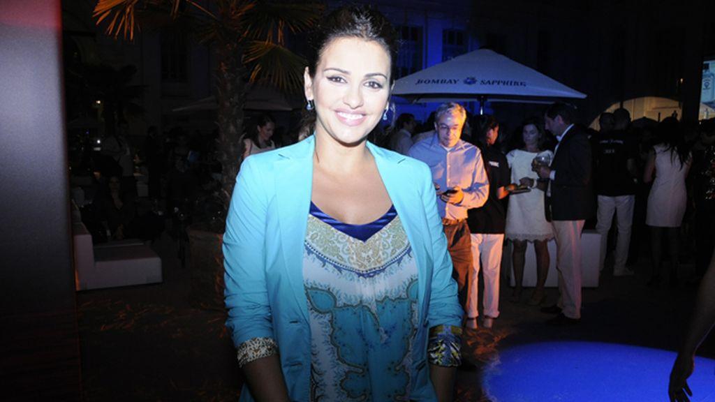 Mónica Cruz, bellísima con vestido y chaqueta de Etro