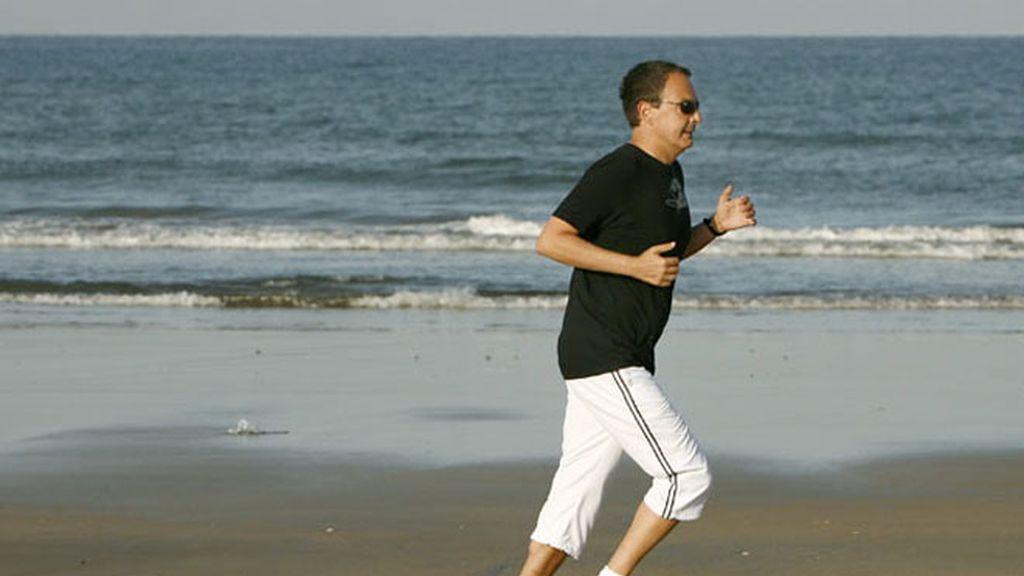 Zapatero y Cameron: dos cuerpos, dos maneras de correr