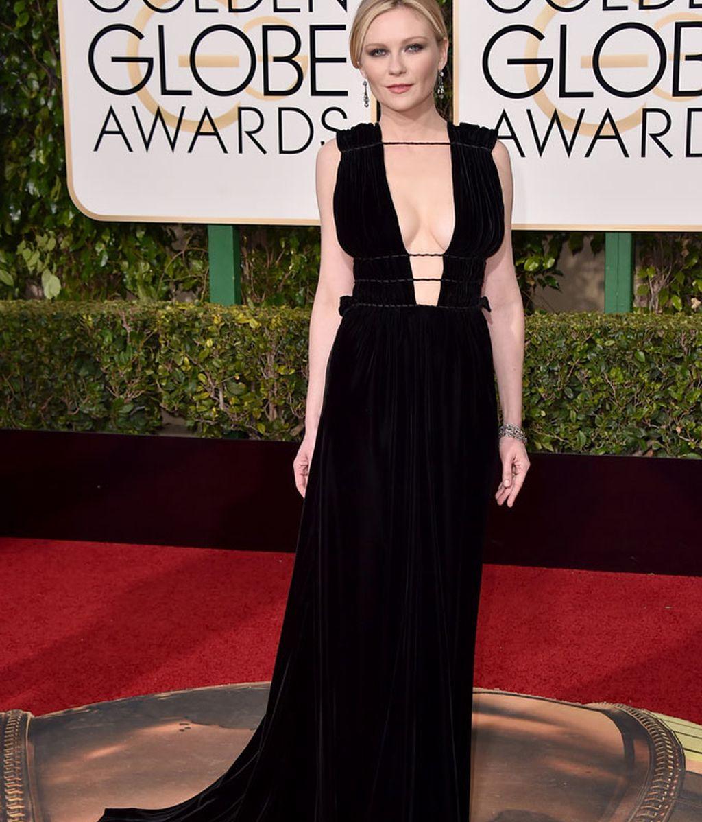 Kirsten Dunst vestida de Valentino