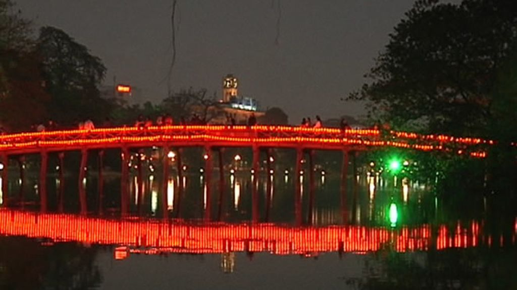 Puente iluminado