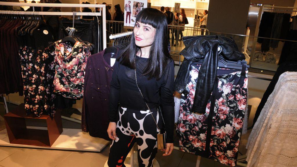 La diseñadora María Escoté, encantada de que Katy Perry recogiese un EMA con una creación suya