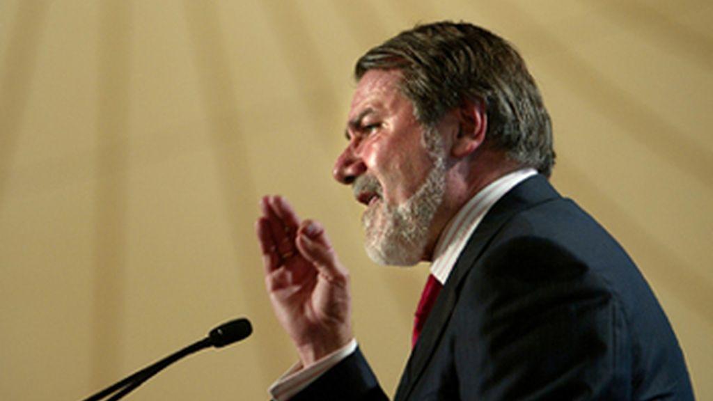 """El Gobierno califica de """"desvergonzadas"""" las acusaciones de Oreja y el PSOE exige a Rajoy que le desmienta"""