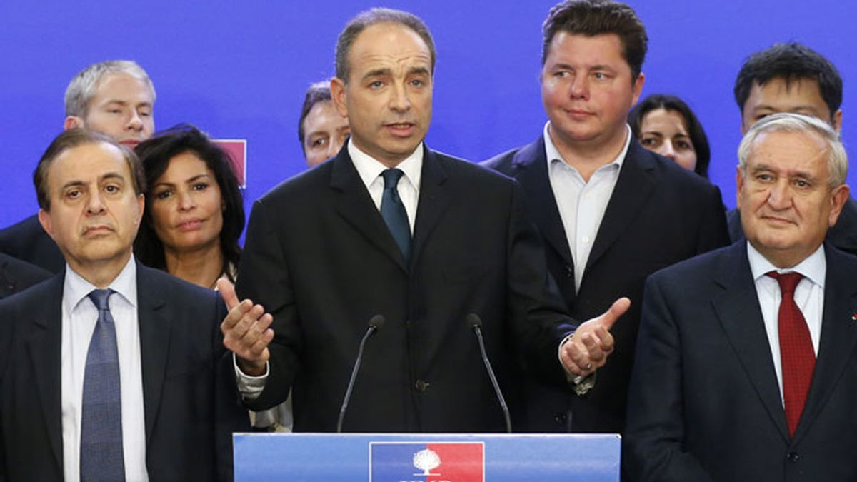 El candidato de la derecha Jean-François Copé en el momento en que anunciaba su victoria