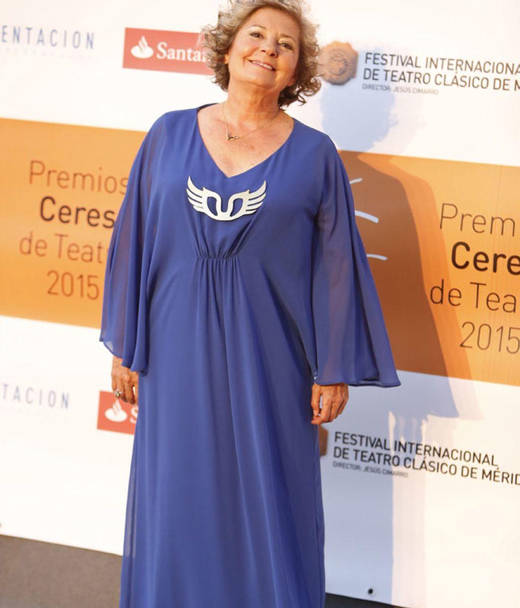La actriz Tina Sainz, con un vaporoso vestido azul
