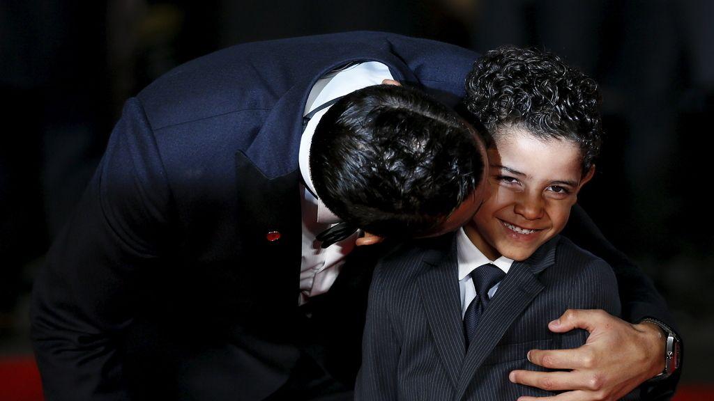 """Cristiano Ronaldo, """"feliz"""" en el estreno de la película sobre su vida (10/11/2015)"""