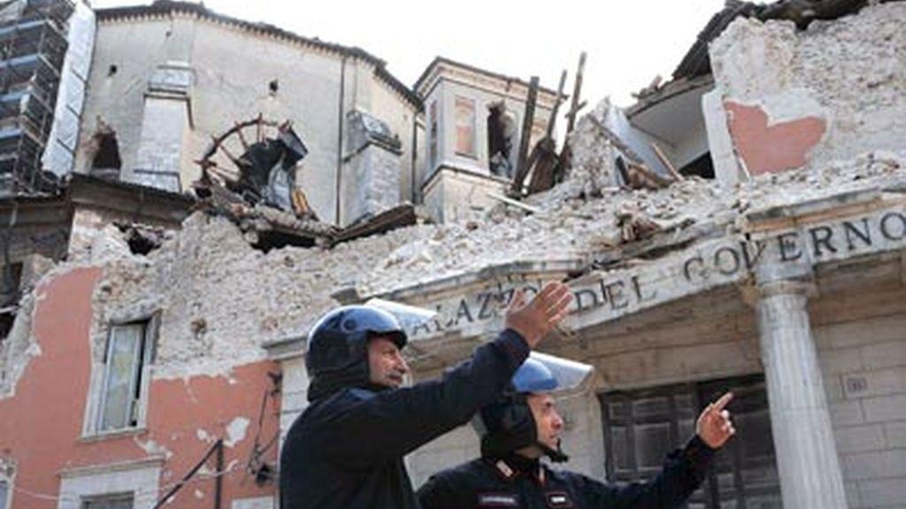 Italialleva a cabo los funerales de Estado por las víctimas deln seísmo. Video: Informativos Telecinco.