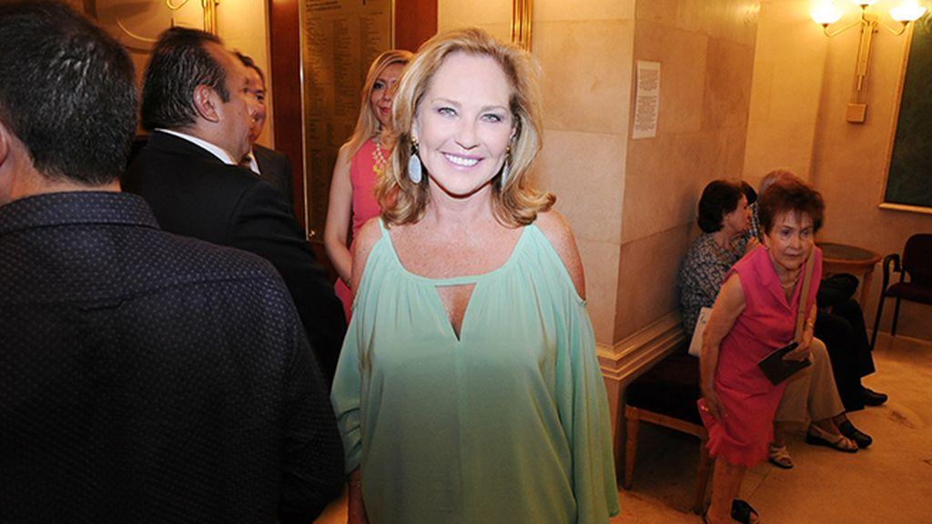 Ana Rodríguez fue una de las pocas que apostó por el color para el concierto de Alejandro Fernández