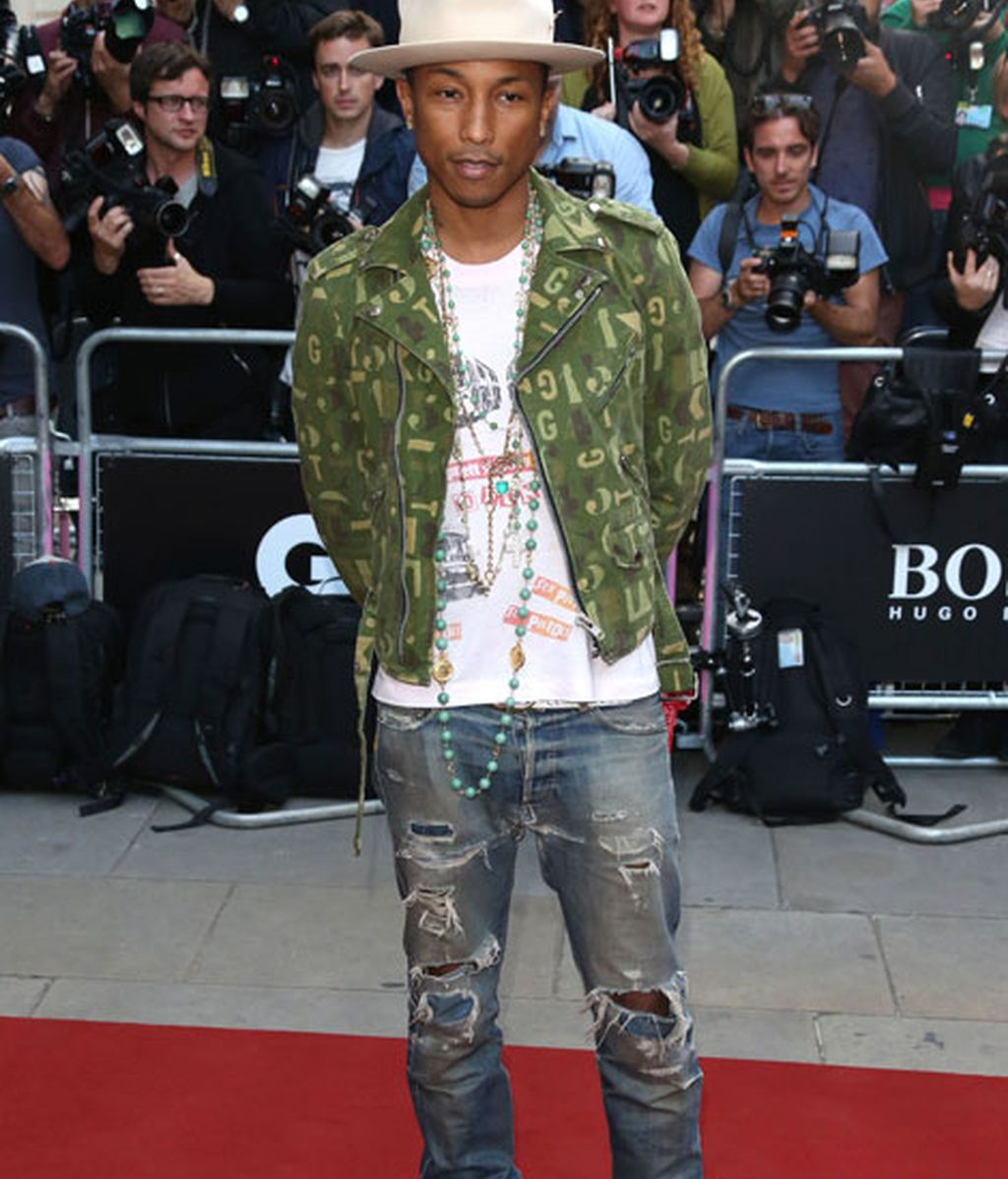 Pharrell Williams con un 'look' muy informal