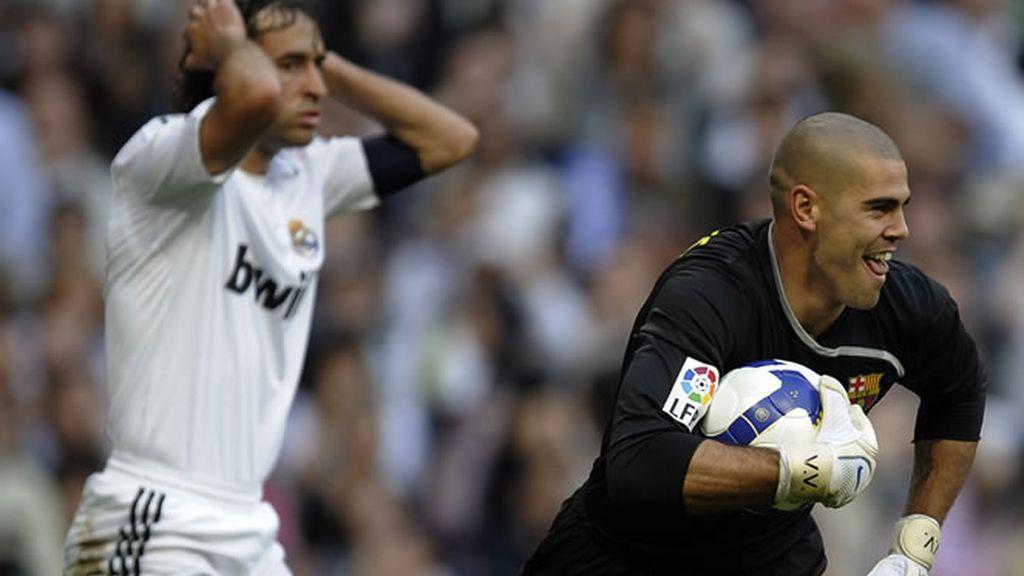 Real Madrid 2 - Barça 6 (2009). Victor Valdés sonríe.