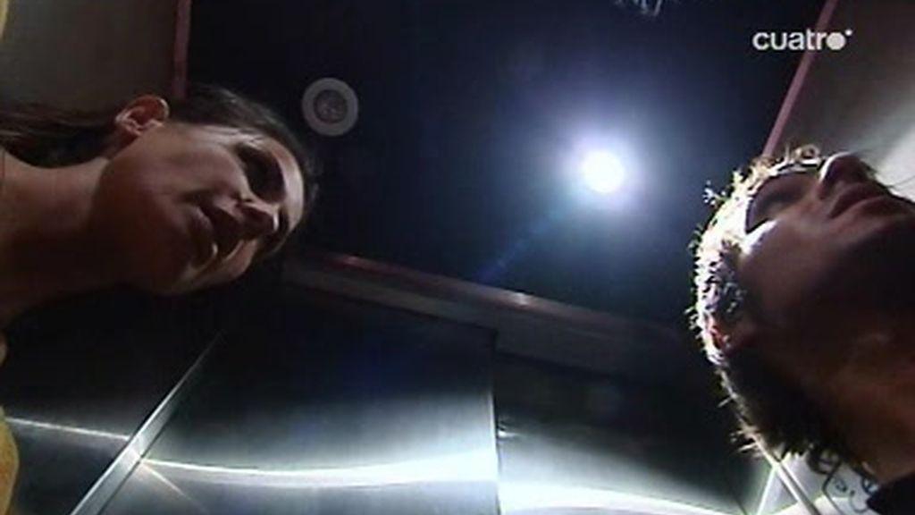 Nuria Roca se queda atrapada en el ascensor