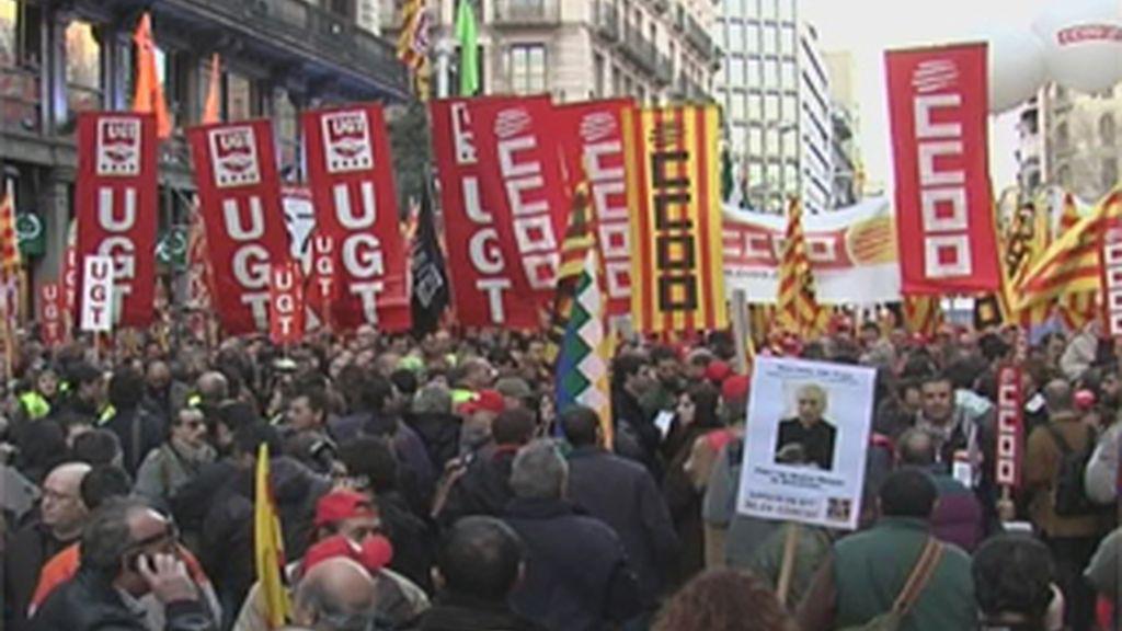 """Los sindicatos piden al Gobierno que atienda al """"clamor"""" popular de las manifestaciones contra el 'pensionazo'"""