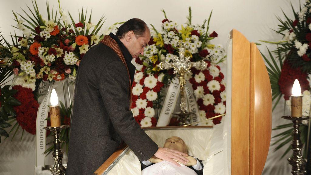 Tony Leblanc Junior despide a su padre en la capilla ardiente