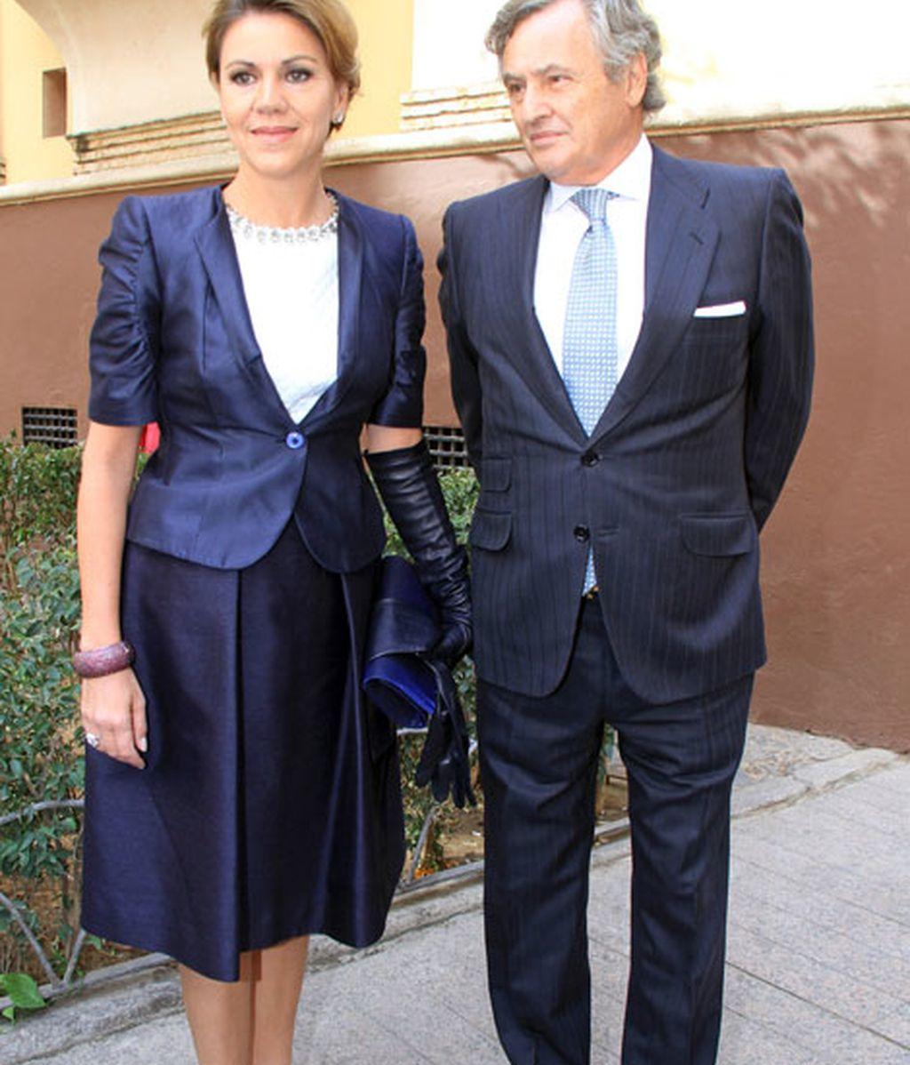 María Dolores de Cospedal e Ignacio López, muy conjuntados