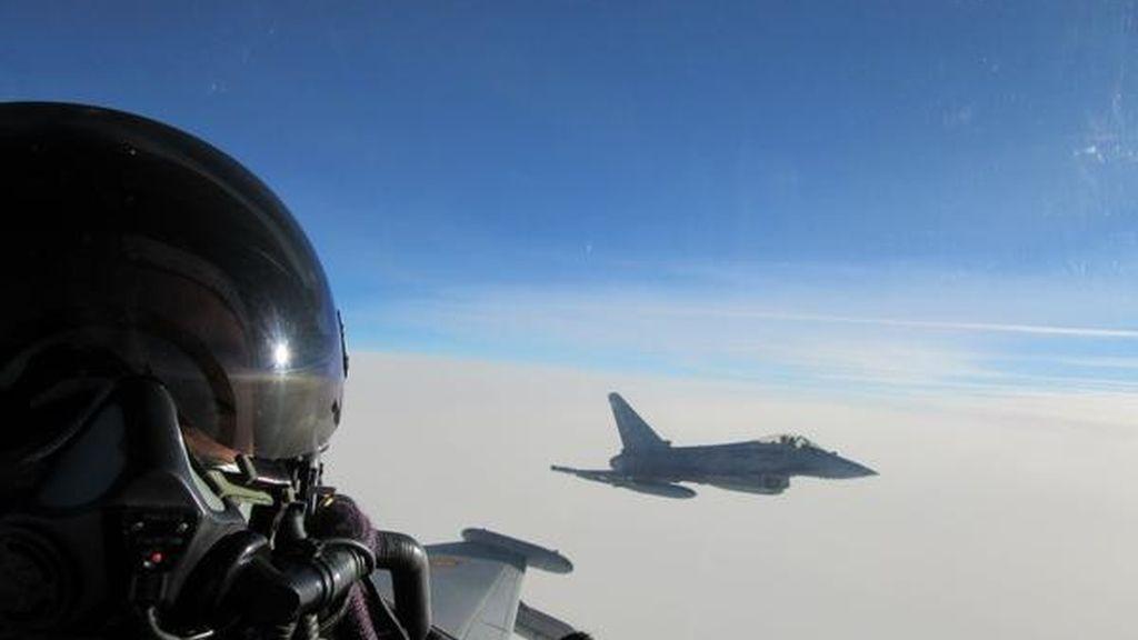 Pilotos españoles, cara a cara con cazas rusos