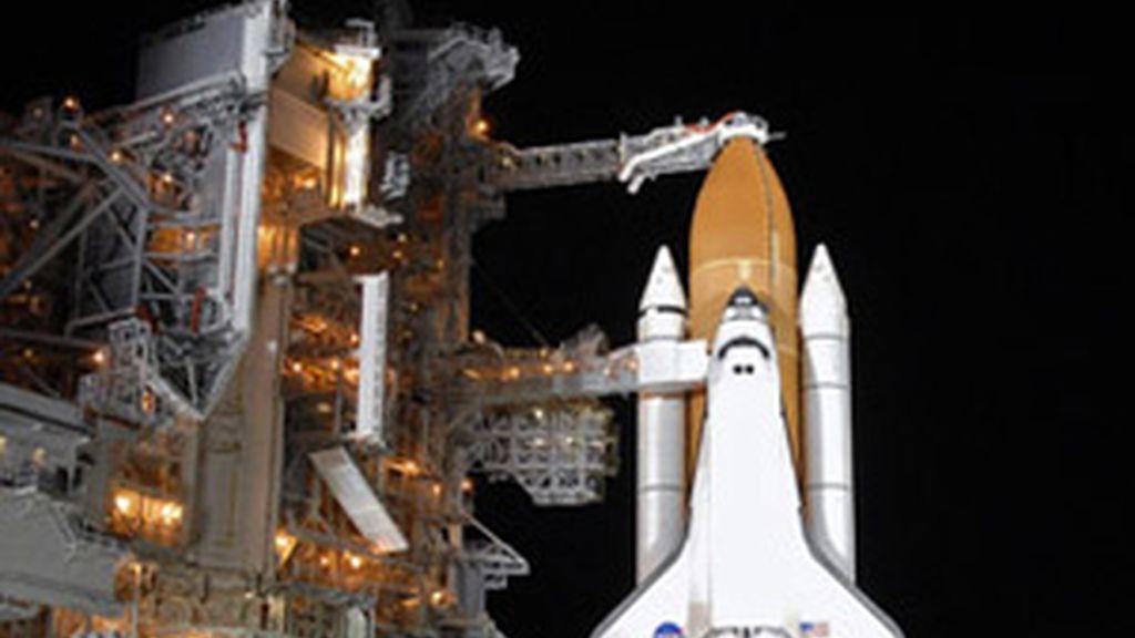 El Atlantis y el Endeavour serán vendidos en 42 millones de dólares y ese dinero será utilizado para realizar otras misiones al espacio.