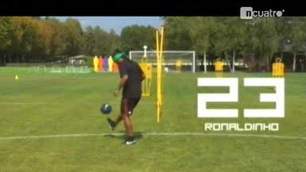 El truco de Ronaldinho con el balón