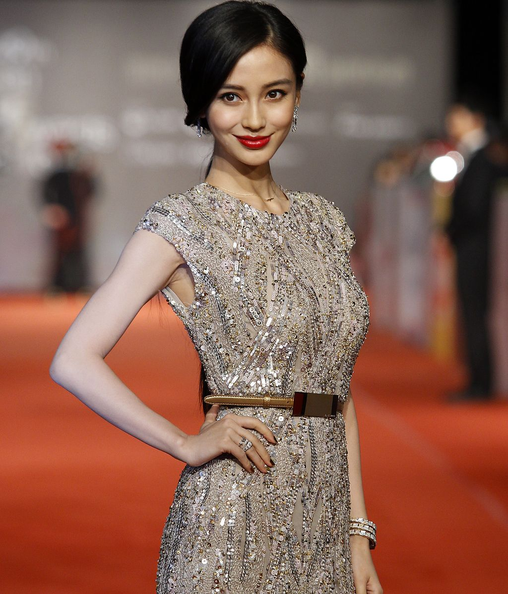 La actriz Angela Yeung Wing durante los Golden Hourse Film Award