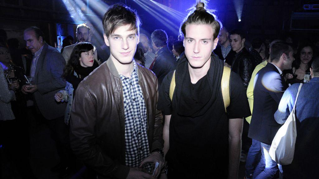 El modelo Manuel Vega y Samuel Cerrudo
