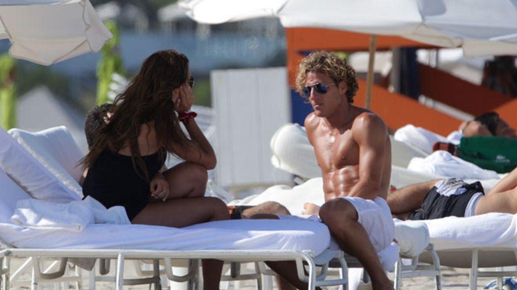 Forlán y Zaira apuran su soltería en Miami