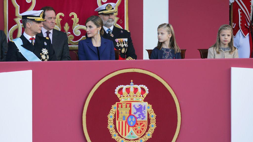 Tercer desfile para los reyes, segundo para sus hijas