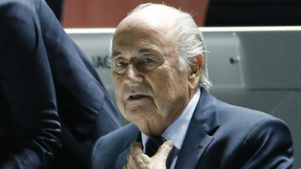Joseph Blatter, con el agua al cuello por el escándalo de corrupción en la FIFA